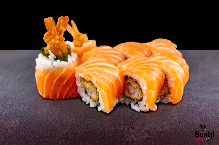 Foto Pink dragon roll 8st